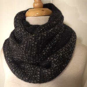 rag & bone Accessories - Rag & Bone NY Black Gray wool blend infinity scarf